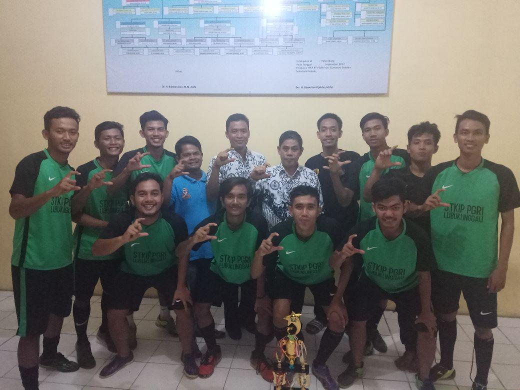Mempromosikan Prodi Pendidikan Jasmani Kesehatan dan Rekreasi. Tim Futsal STKIP PGRI Lubuklinggau mengikuti Turnamen Futsal se-kabupaten Rejang lebong